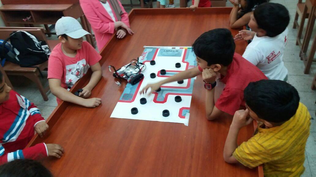 robotics-summer-camp-charvik-academy